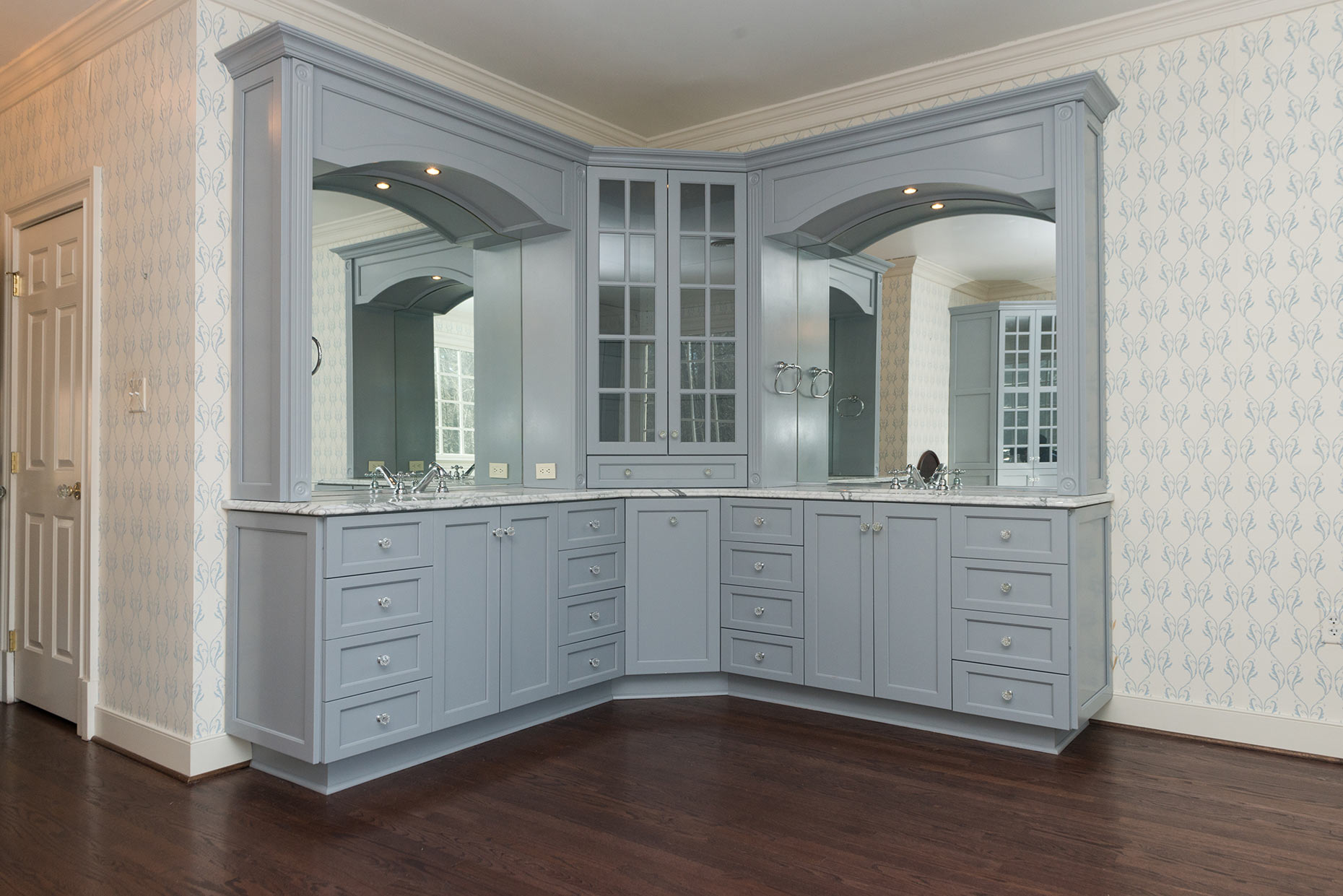 HJ-Holtz-Interior-Painting-Cabinets-Completed-7758